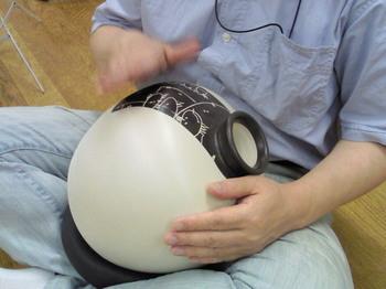 20090823ウドゥドラム演奏.jpg