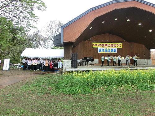 20120504朧月夜音楽祭-17テントへ.JPG
